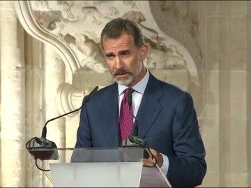 """Felipe VI garantiza que la Constitución """"prevalecerá"""" frente a quienes quieren """"quebrar la convivencia"""""""