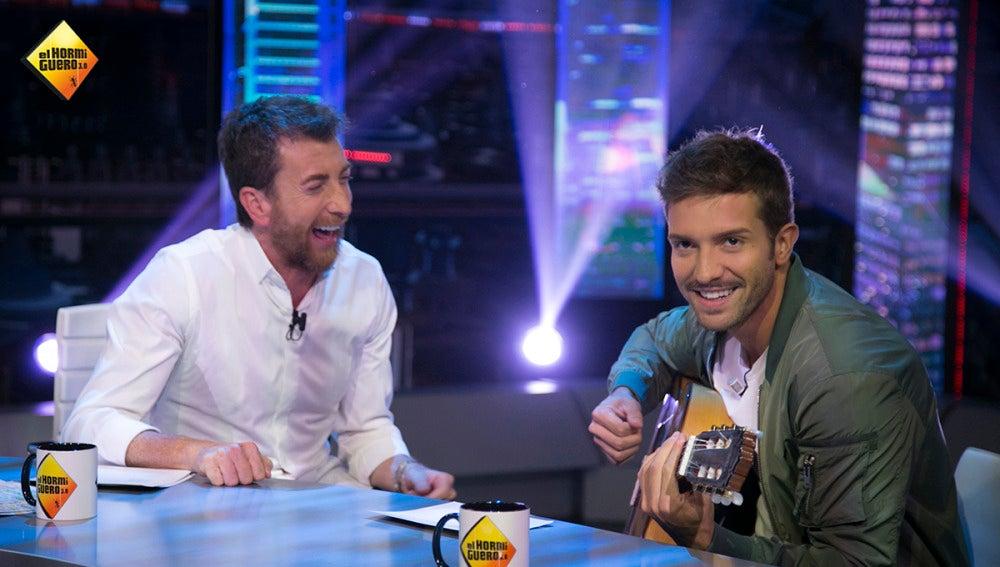 Pablo Alborán canta los peores chistes de la historia en 'El Hormiguero 3.0'