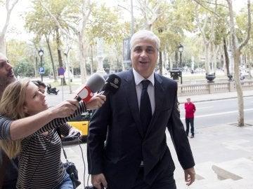 El exconseller de Justicia Germà Gordó, a su llegada a la Audiencia de Barcelona