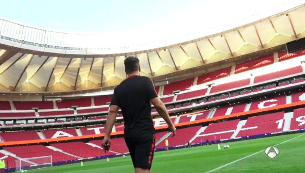 Antena 3 tv el atl tico completa su primer entrenamiento for Puertas wanda metropolitano