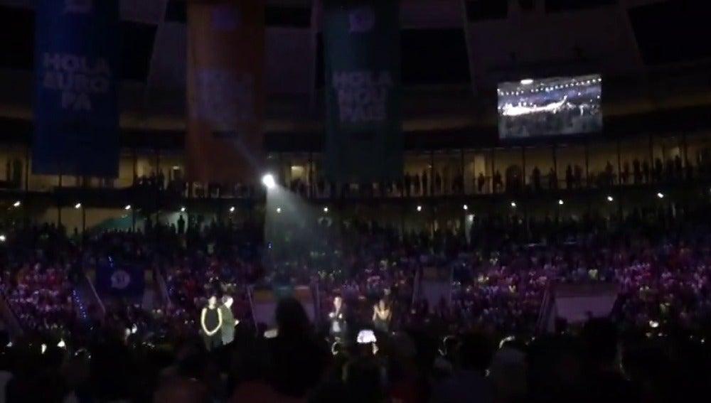Gran ovación a Carles Puigdemont en el acto de campaña del 1-O en Tarragona