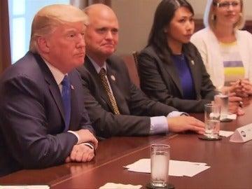 Los líderes demócratas logran un acuerdo con Trump para extender las protecciones a los 'dreamers'