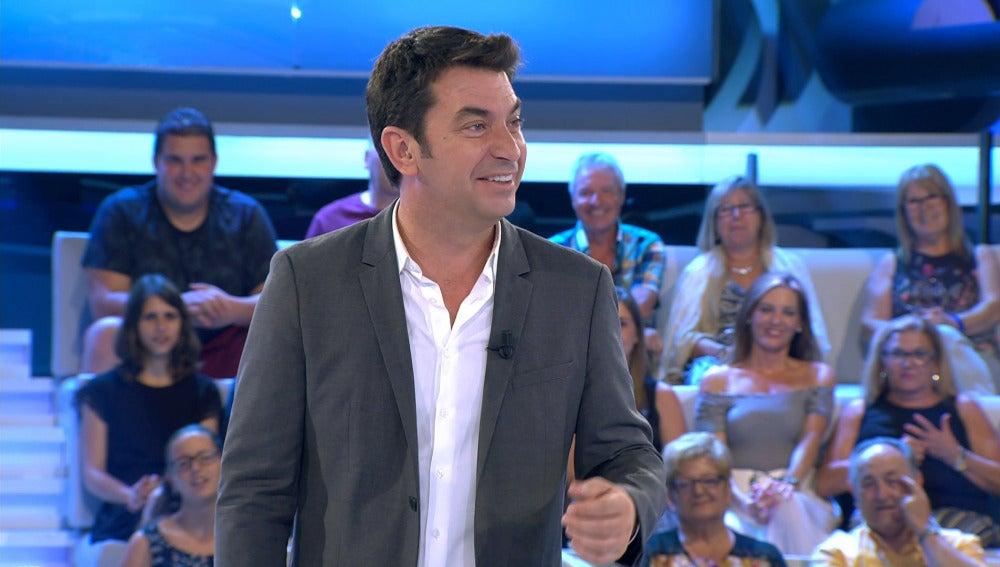 Arturo Valls contando chistes