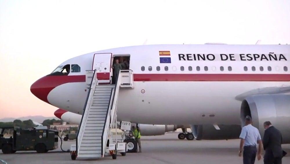 El avión con los españoles evacuados de Saint Martin llega a Madrid