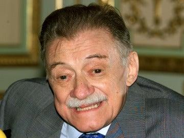 Mario Benedetti presentando en Madrid 'Buzón de tiempo', en 1999
