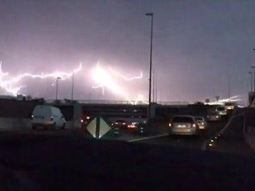 Espectacular tormenta eléctrica sobre Tenerife y el norte de Gran Canaria