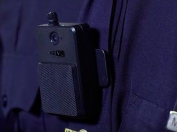 Cámara corporal en un agente del NYPD
