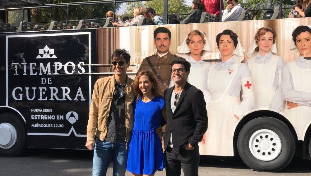 Cristóbal Suárez, Alicia Rubio y Daniel Lundh presentan 'Tiempos de Guerra' por las calles de Madrid