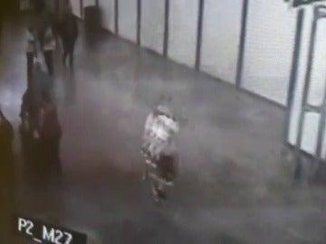 La Guardia Civil salva la vida de un niño de 2 años que estaba inconsciente y con convulsiones en el Aeropuerto de Alicante