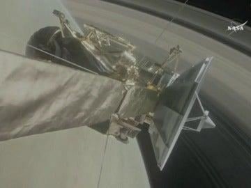 Cassini se estrella contra Saturno y se despide convertida en un fulgurante meteorito