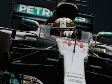 Lewis Hamilton, en su monoplaza