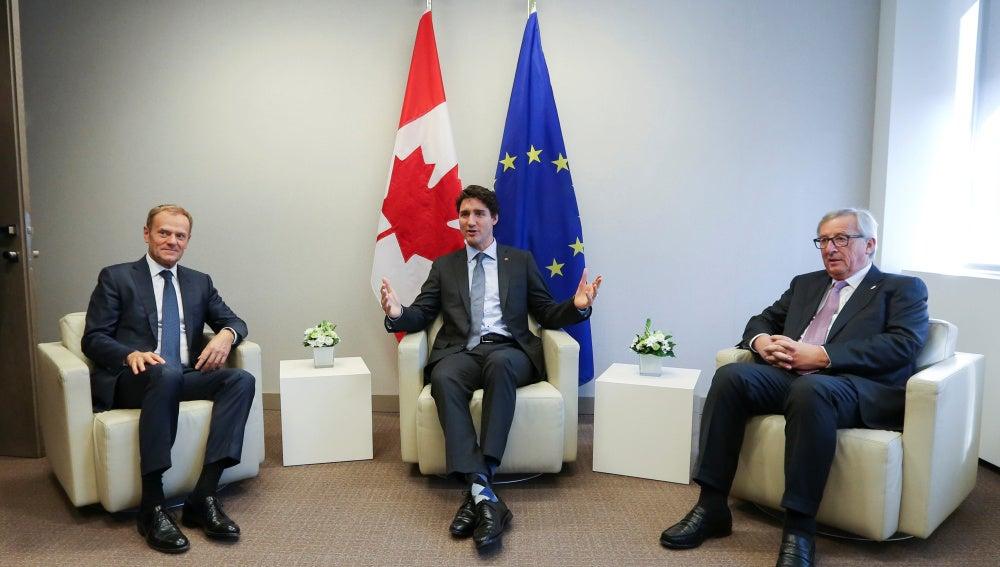 La UE quiere afianzar el modelo comercial del CETA, que hoy entra en vigor