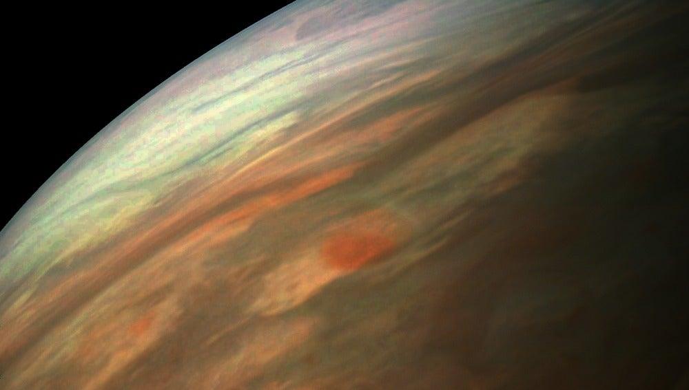 Imagen de Jupiter tomada por la nave espacial Juno