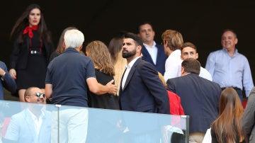 Diego Costa, en el palco del Wanda Metropolitano durante el Atlético de Madrid - Sevilla