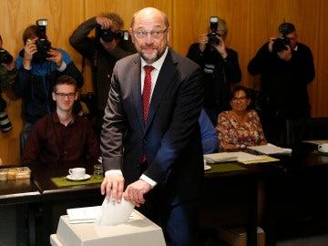Martin Schulz votando