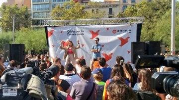 Carme Forcadell en un acto en la Plaza de la Universidad