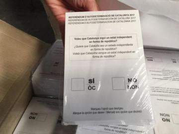 Imagen de archivo de papeletas para el referéndum del 1-O