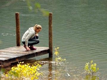 Daniela encuentra el cadáver de un vecino en el lago del Valle de Cer