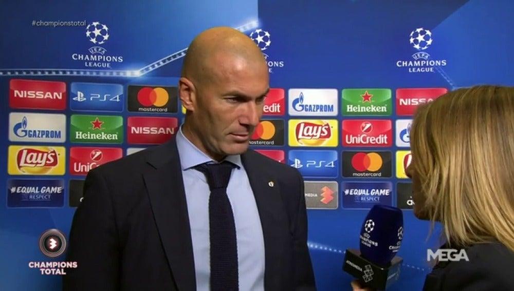 """Zidane: """"Contento por Cristiano"""""""