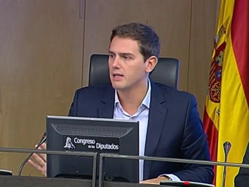 """Rivera pide al PSOE que """"se moje"""" ante el reto independentista en Cataluña porque ahora toca """"defender la democracia"""""""