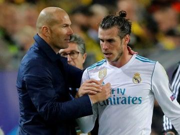 Zidane felicita a Gareth Bale por el esfuerzo