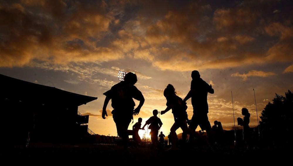 Niños juegan al rugby (27/09/2017)