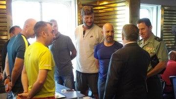 Zoido desayuna con los agentes en Barcelona
