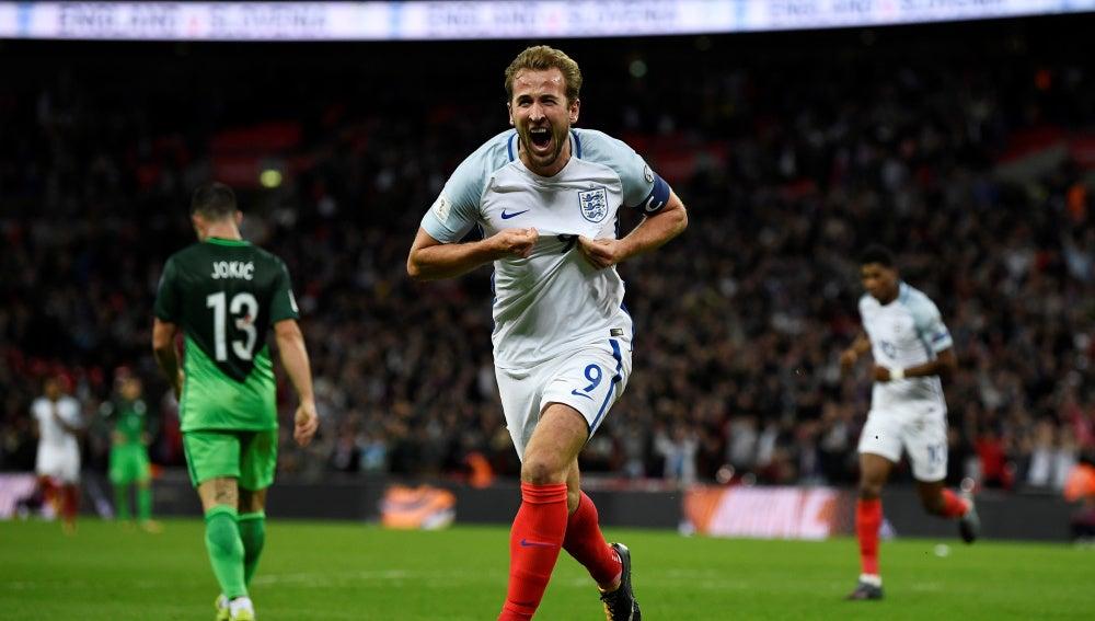 Kane celebra la clasificación de Inglaterra para el Mundial de Rusia