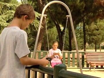 Cada vez más niños con móvil y a edades más tempranas