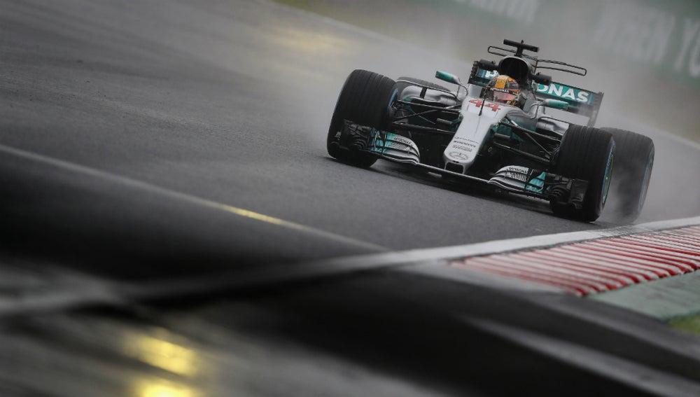 Lewis Hamilton, bajo la lluvia