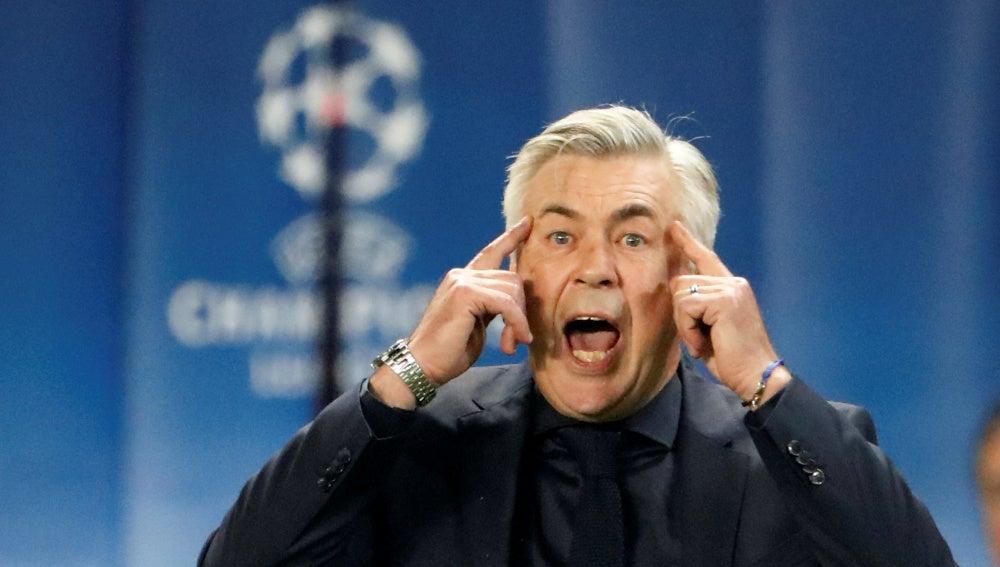 Carlo Ancelotti, durante el PSG - Bayern