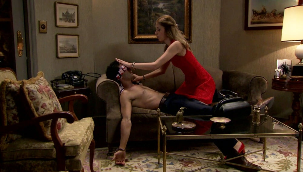 Ignacio cae en la trampa de Claudia