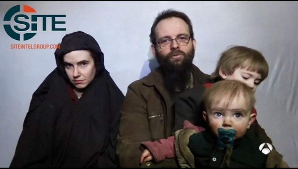 El canadiense secuestrado por los talibanes revela que violaron a su mujer y mataron a su bebé, nacida en cautividad