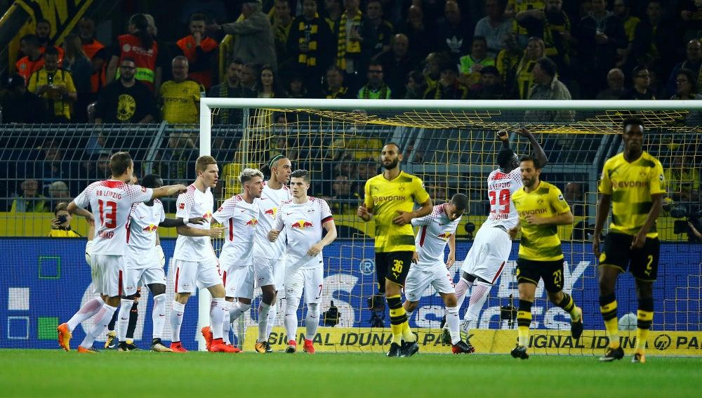 El RB Leipzig celebran uno de los goles de la victoria
