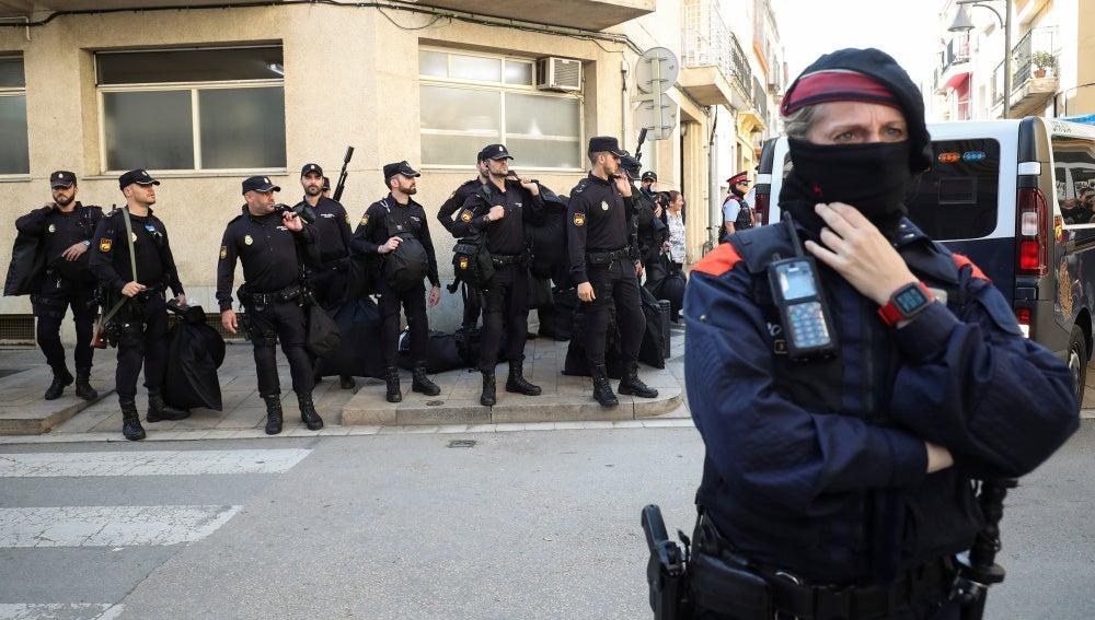 Mossos d'Esquadra y Policía Nacional
