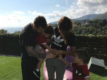 Messi, Antonella y sus dos hijos