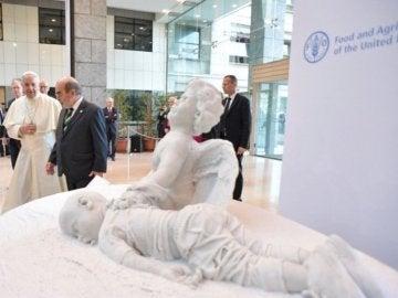 Una estatua de Aylan inaugurada por el Papa ya preside la sede de la FAO en Roma
