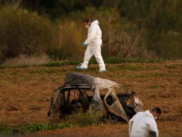 Coche de Daphne Caruana Galizia, periodista asesinada en Malta