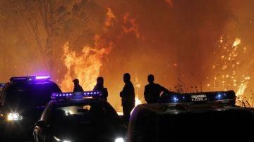 Trece puntos en Galicia sufren incendios que ponen en riesgo a la población