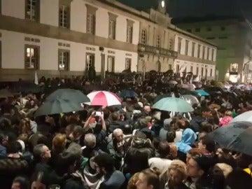 Multitudinaria manifestación en Santiago para defender los montes gallegos