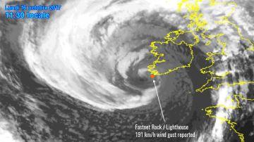 Huracán Ofelia en su paso por Irlanda