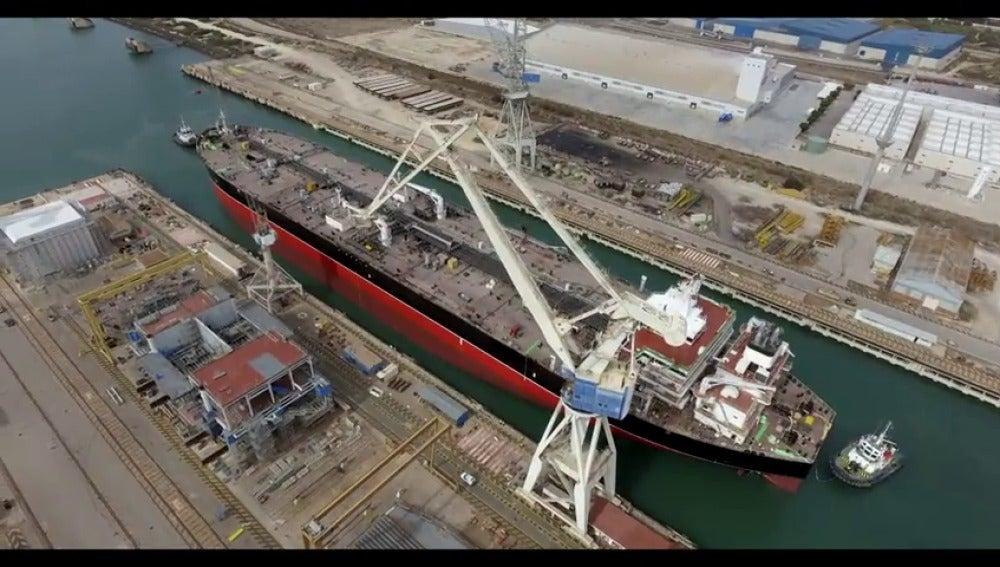 Navantia pone a flote el primero de los petroleros Suezmax en Puerto Real