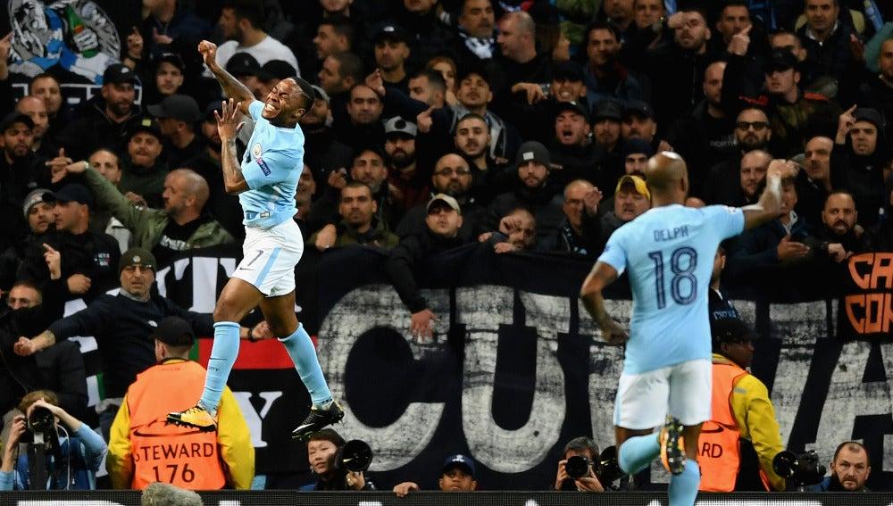 Sterling celebra el 1-0 ante el Nápoles