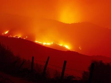 Llamas de uno de los incendios forestales que afectó a Galicia