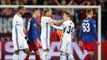 Los jugadores del Basilea celebran su victoria ante el CSKA