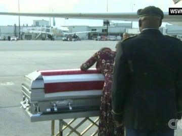 La viuda del marine fallecido