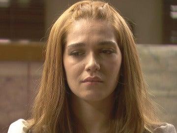 Julieta se enfrenta a Carmelo, ¿condenó él a Saúl?