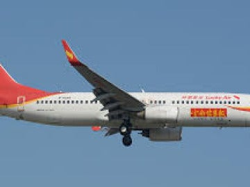 Cancelan un vuelo en China porque una anciana tiró monedas al motor del avión