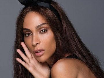 Playboy dedica por primera vez sus páginas centrales a modelo transexual