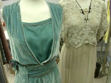 Los secretos de los trajes de época que lucen las damas en la recepción de la reina